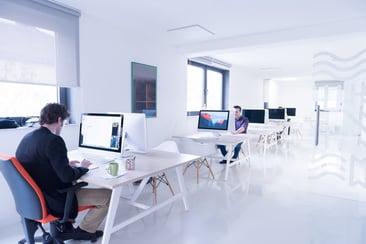 Aqoola har været med fra start. Vores workflow-platform er tænkt med kunden i fokus. Vi står klar til at hjælpe jer med at styrke jeres interne processer med vores moduler til fakturahåndtering, kontrakthåndtering og medarbejderudlæg.